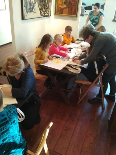 Wizyta oddziału przedszkolnego i pierwszaków w muzeum