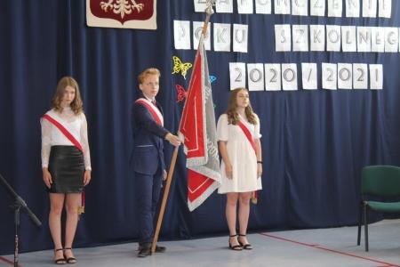 Pożegnanie absolwentów  Szkoły Podstawowej im. Wandy Chotomskiej w Pawłowie